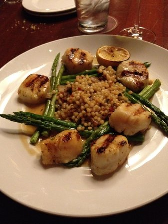 Seasons 52: Scallops with asparagus and pasta pearls