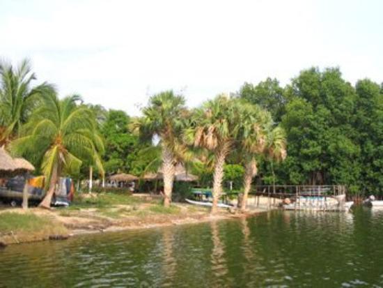 Best Night La Laguna Hotel: View of Dock