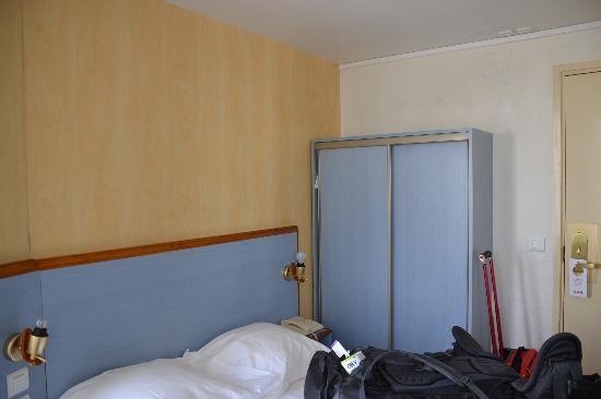 Comfort Hotel Place du Tertre: room2