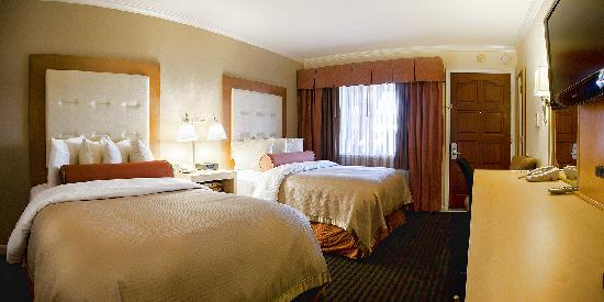 Millwood Inn & Suites: Deluxe Two Beds