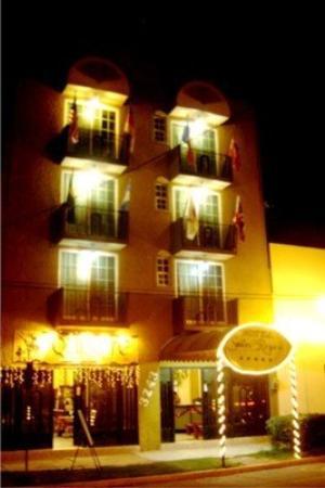 Hotel Suites De Reyes