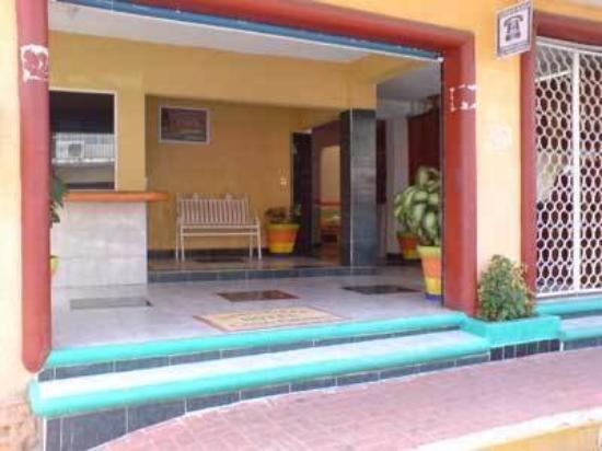 Hotel Casa Bravo: Entrance