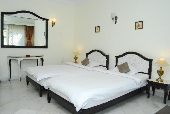 King's Abode: Deluxe Room