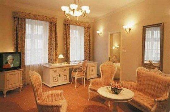 Hotel amadeus bewertungen fotos preisvergleich krakau for Zimmer 94 prozent