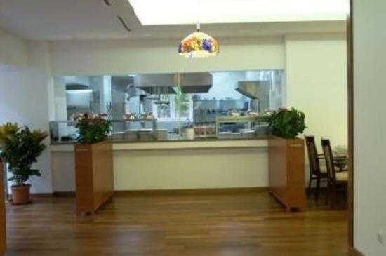 Hotel Marshal: Lobby view