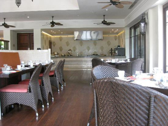 Vivanta by Taj Bekal: Latitude restaurant
