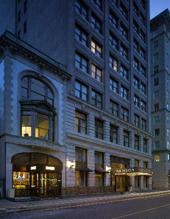 Madison Hotel: Exterior Photo