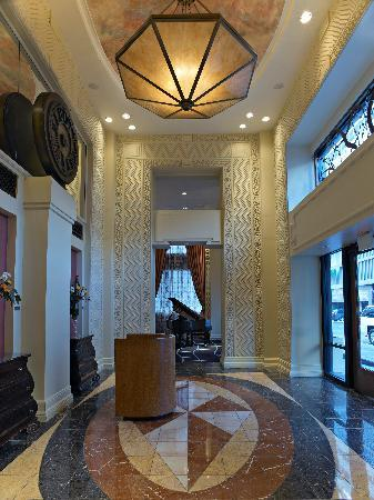 Madison Hotel: Hotel Foyer