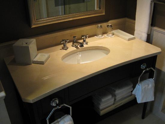 The Jefferson, Washington DC: Bathroom view.  Plenty of bench space.