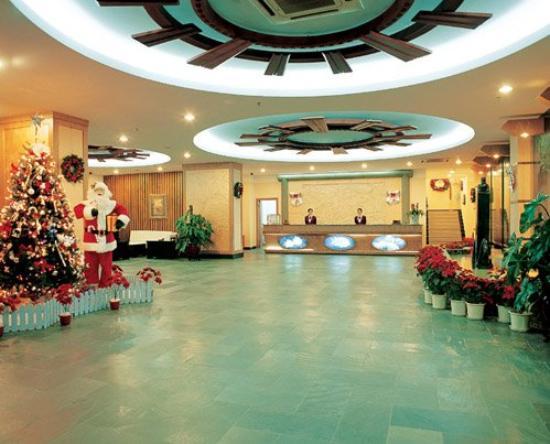 Marine Holiday Hotel : Lobby View