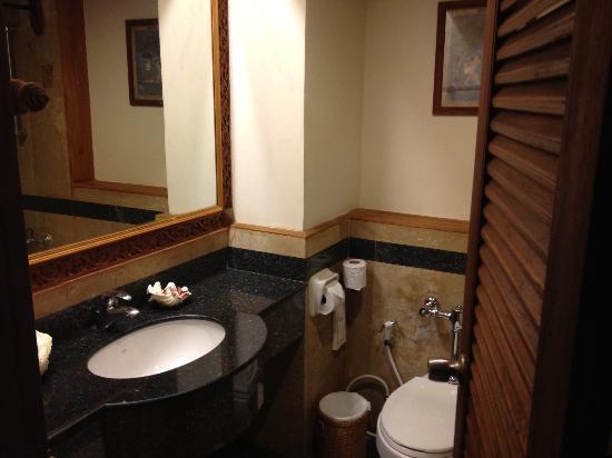 Blue Lagoon Hotel: Bathroom