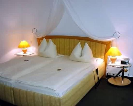 Hotel Grille: Guest Room