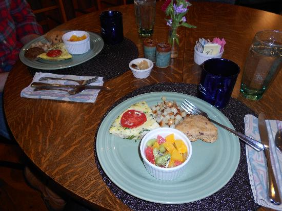 Bent Creek Lodge: our delicious homemade breakfast