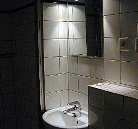 Savoy Hotel : Bathroom