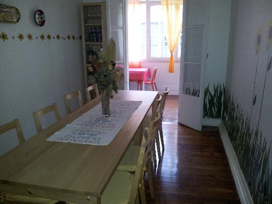 Lisboa Central Hostel: Dinner room