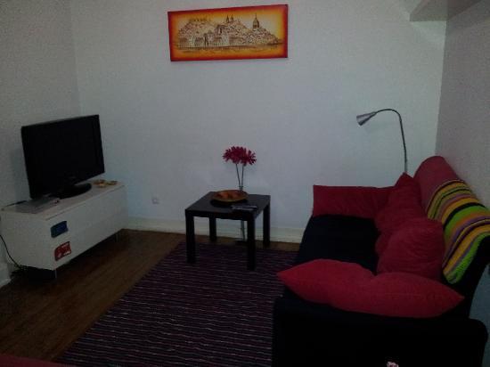 Lisboa Central Hostel: Living room1