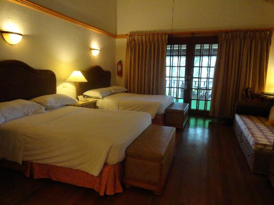 Alegre Beach Resort: the room