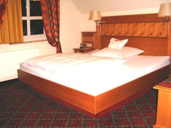 Hotel Traube: Room