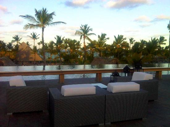 Barcelo Bavaro Palace: roof top lounge- very chic!