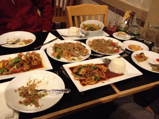 Ka-Noon Thai Cuisine: The entire platter :-)