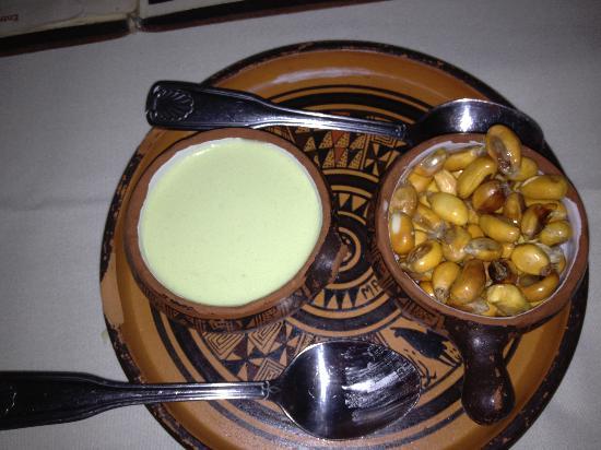 Machu Picchu: Roasted corn nuts and sauce
