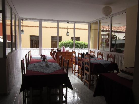 Puerto Azul Hotel: Breakfast / dining room