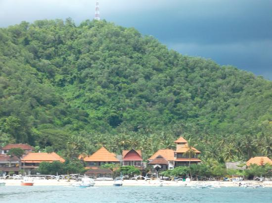 Topi Inn: View from the ocean