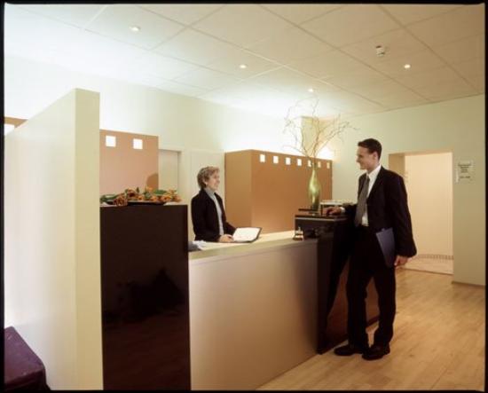 Select Falk Suite Hotel: reception