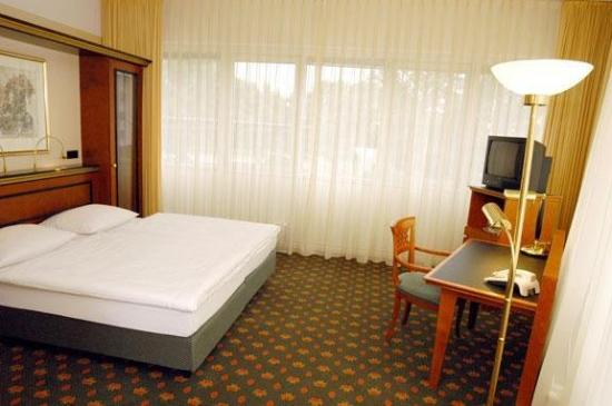 ACHAT Premium Hotel Airport-Hannover: Standard Room
