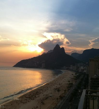 Sol Ipanema Hotel: sunset seen from 16th floor