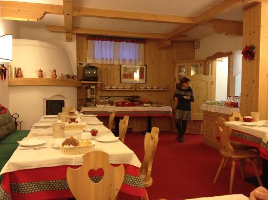 Hotel Garni dei Fiori: la sala colazioni