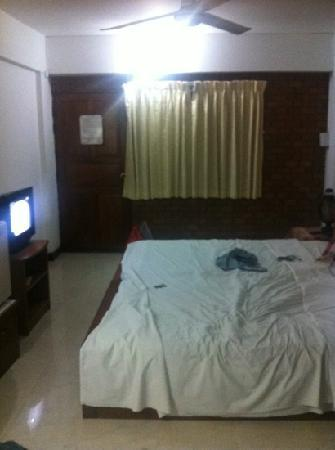 Galare Guest House : chambre