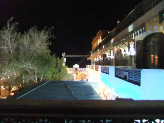 Ali Baba Hotel: Blick aus dem Zimmer bei Nacht