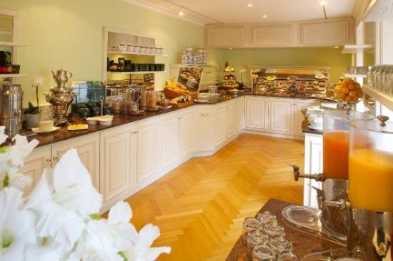 Romantik Hotel Fuchsbau: Breakfast Buffet
