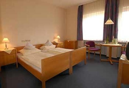 VCH-Hotel Erika-Stratmann-Haus: Guest Room
