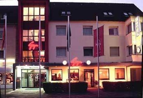 Hotel Goya: Exterior View