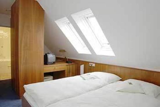 Hotel Goya: Guest Room