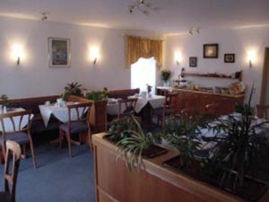 Hotel Blutenburg: Dining