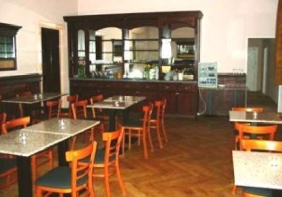 Hotel Aster: Breakfast Room