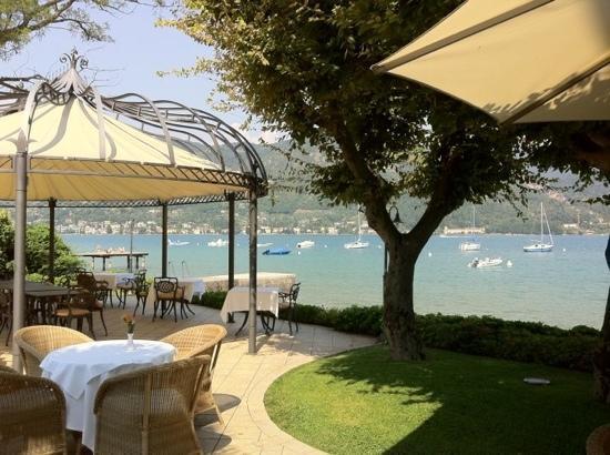 Bella Hotel & Leisure : gazebo a lago