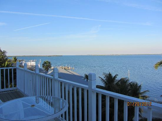The Collier Inn and Cottages: Our balcony view