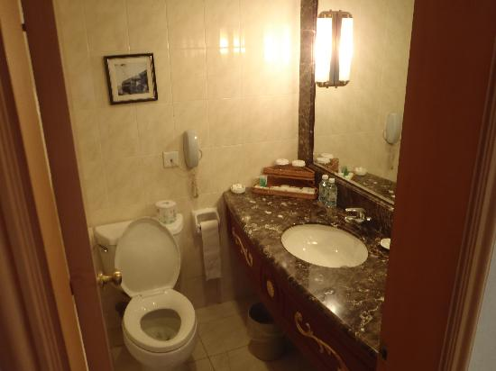 Anting Villa Hotel: Bathroom