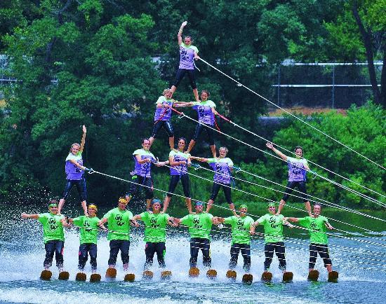 Sarasota Ski-A-Rees Water Ski Show: 4-tier pyramid