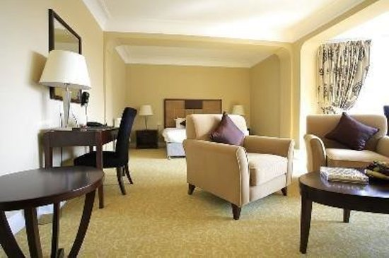 Clayton Lodge Hotel : Bedroom