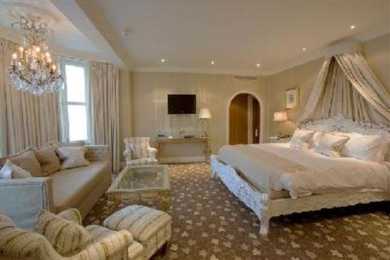 The Old Government House Hotel & Spa: Deluxe Room