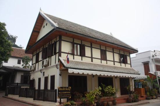 Villa Somphong: 外観