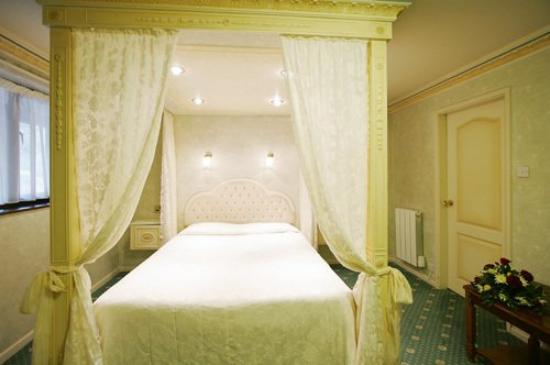 Sandpiper Hotel: Honeymoon Suite