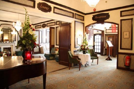 Redcar Hotel: Lobby view