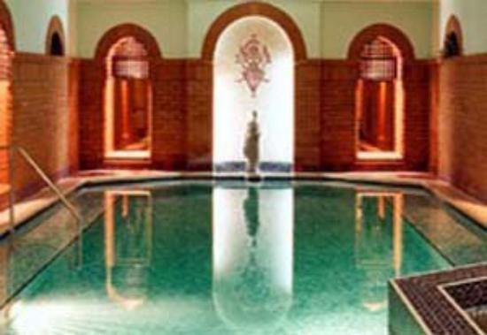 Sefton Hotel: Swimming pool