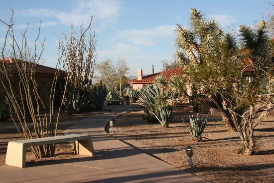 Rancho de los Caballeros: Casita scene
